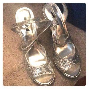 Silver glitter heals